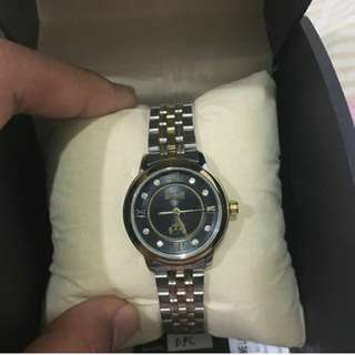 Polo Watch.. Promotion till 30 January.. +RM5 with box .. Whatsapp 0164680785 if interested