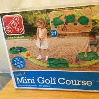 BNIB Step 2 Par 3 Mini Golf Course (pretend play)
