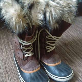 Sorel Joan of Arctic Boots size 8 - NEVER WORN
