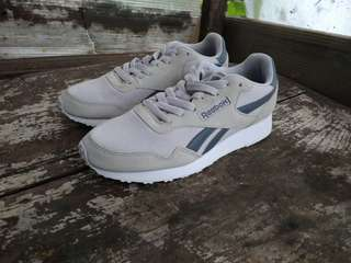 Reebok royal ultra skull grey not vans Nike Adidas