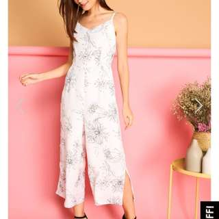 TSW BETSY FLORAL CALLIGRAPHY JUMPSUIT IN WHITE