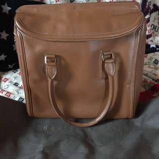 FORSALEEEEE- CHARLES & KEITH  HAND BAG (original) medium in size