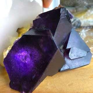 紫螢石原礦