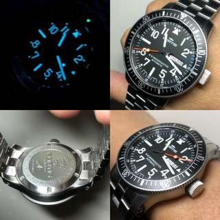 "fortis B42 marinemaster 90% new 100% good function no box no paper 100% real and original braclet enough 7"" wirst"