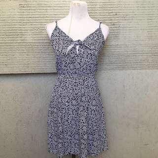 blue prints ribbon dress
