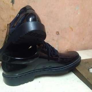 Sepatu PDH dislap
