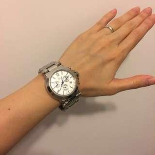 Guess 型格腕錶