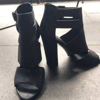 Alias Mae Leather Buckle Heel Size 38