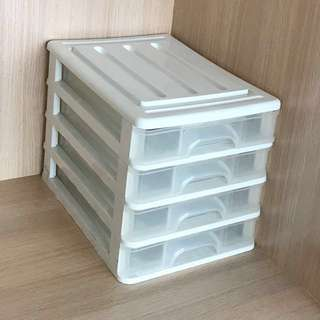Plastic container 4 drawers