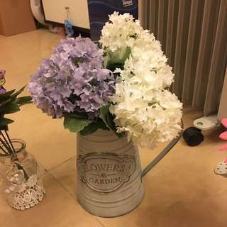 Flowers and pot減價至$35