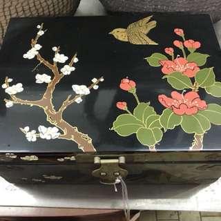 Exquisite Painting Jewelry box