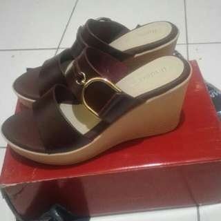 Wedges fladeo brand matahari masih new