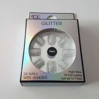 Glitter  (Glory) Nails