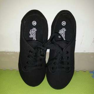 Kids Shoes size 35 (unisex)