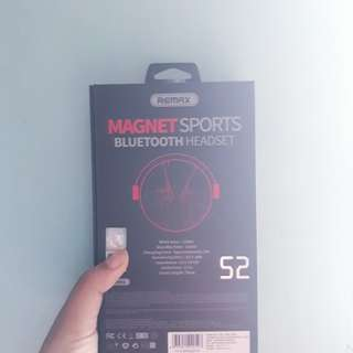 Remax Magnet Sports Wireless Bluetooth