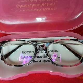 Kacamata motif bunga