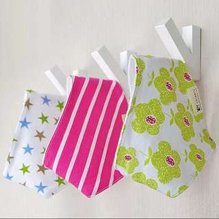 🦁Instock - 3pc floral assorted bibs, baby infant children glad cute
