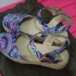 Preloved Triset Shoes
