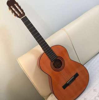 Classical Guitar (pre-owned)