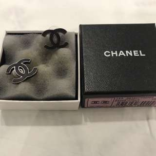 Chanel Logo Earrings 100%Real 95%New with Box