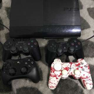 PS3 plus 4 controllers