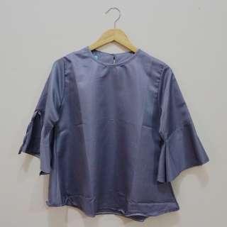 Baju atasan perempuan