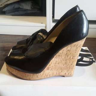 Nine west black wedges 40