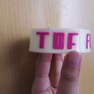 Gelang Band The Downtown Fiction (Glow in the Dark)