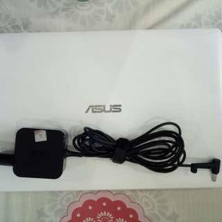Jual laptop Asus X200M Murah !!!