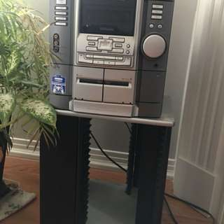 Sony stereo system with speakers & stand.