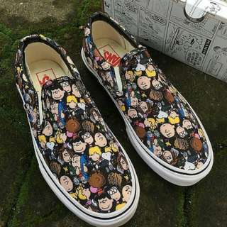 "SEPATU VANS SLIP ON x PEANUTS ""SNOOPY ON THE GANG"""