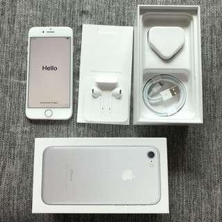 iPhone 7 128gb **Still in Warranty**