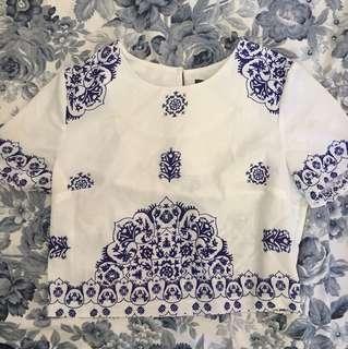 White short sleeved crop top