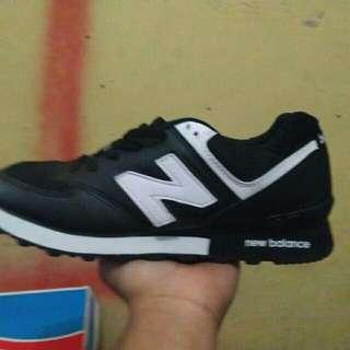 sepatu pria - newbalance