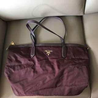 Prada 紫紅色袋