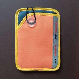 Toshiba 袋 (可裝卡片,證件,電話等等)