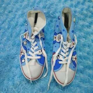 Sepatu custom doraemon
