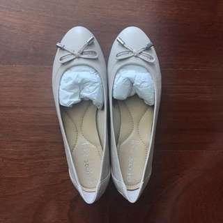 GEOX Respira Ballet Flats in Taupe