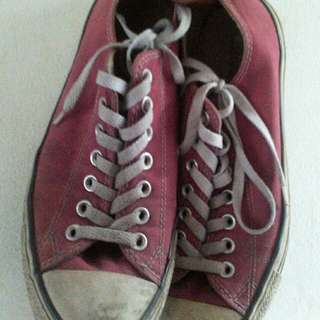 CONVERSE ALL STAR CHUCK TAYLOR LOW RED MAROON