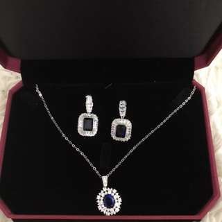 Blue gems earrings and necklace set