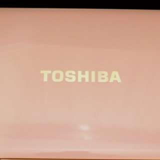 Toshiba 粉紅色手提電腦