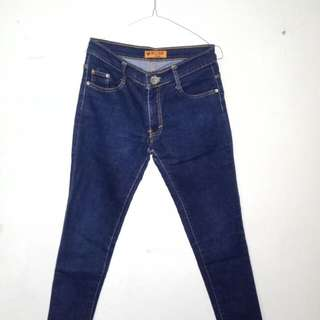 Income Jeans