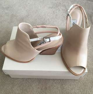 NEW Clark's Narrartive Nude Leather Mules