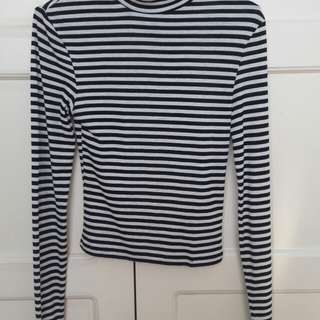 H&M: Black and White Long Sleeves Top