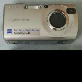 [SONY]Cyber Shot DSC-S40 Digital Camera 4.1MP Silver