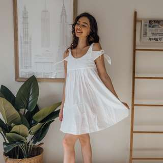 ZARA - White Dress ✧ Tara Milk Tea