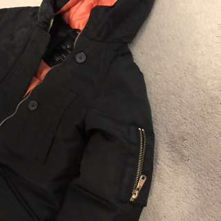 Zara girls winter coat size 8 black w orange like new