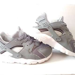 Nike Huarache kids grey
