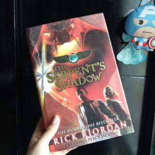THE SERPENTS SHADOW RICK RIORDAN (HARD COVER)