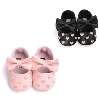 黑色/粉紅色新款嬰兒仿皮心心防滑鞋 學步鞋 軟底bb鞋